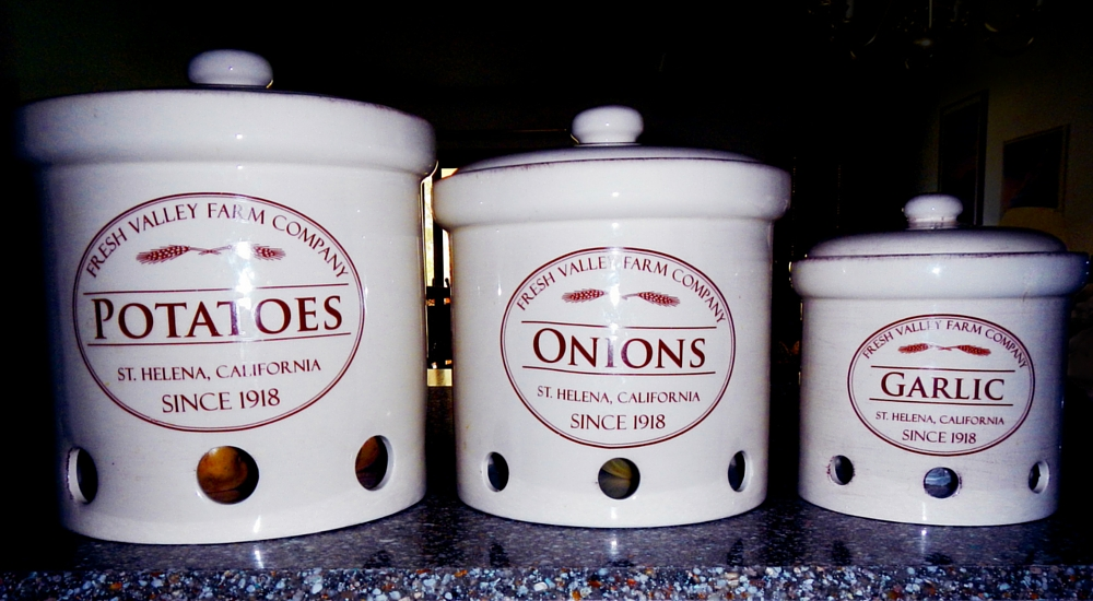 Canisters for short-term storage of onions potatoes and garlic & Short-Term Kitchen Storage of Potatoes Onions u0026 Garlic | UNL Food