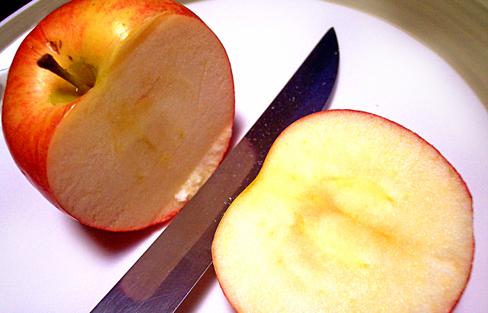 how to prevent cut fruit from turning brown
