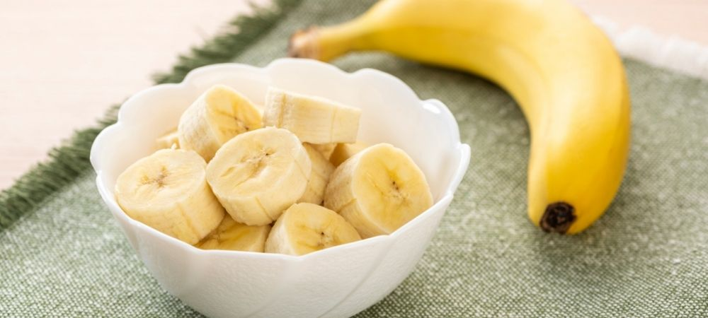 banana in a bowl