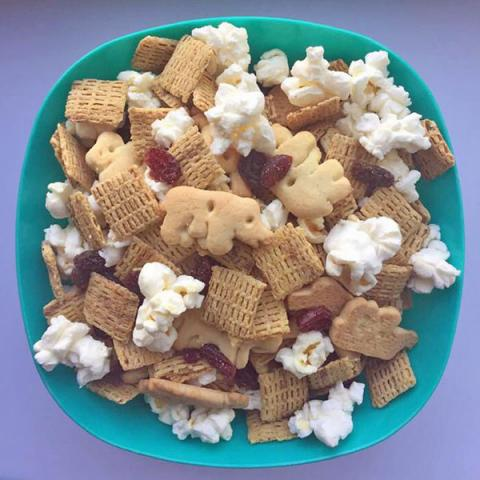 cinnamon crunch snack mix