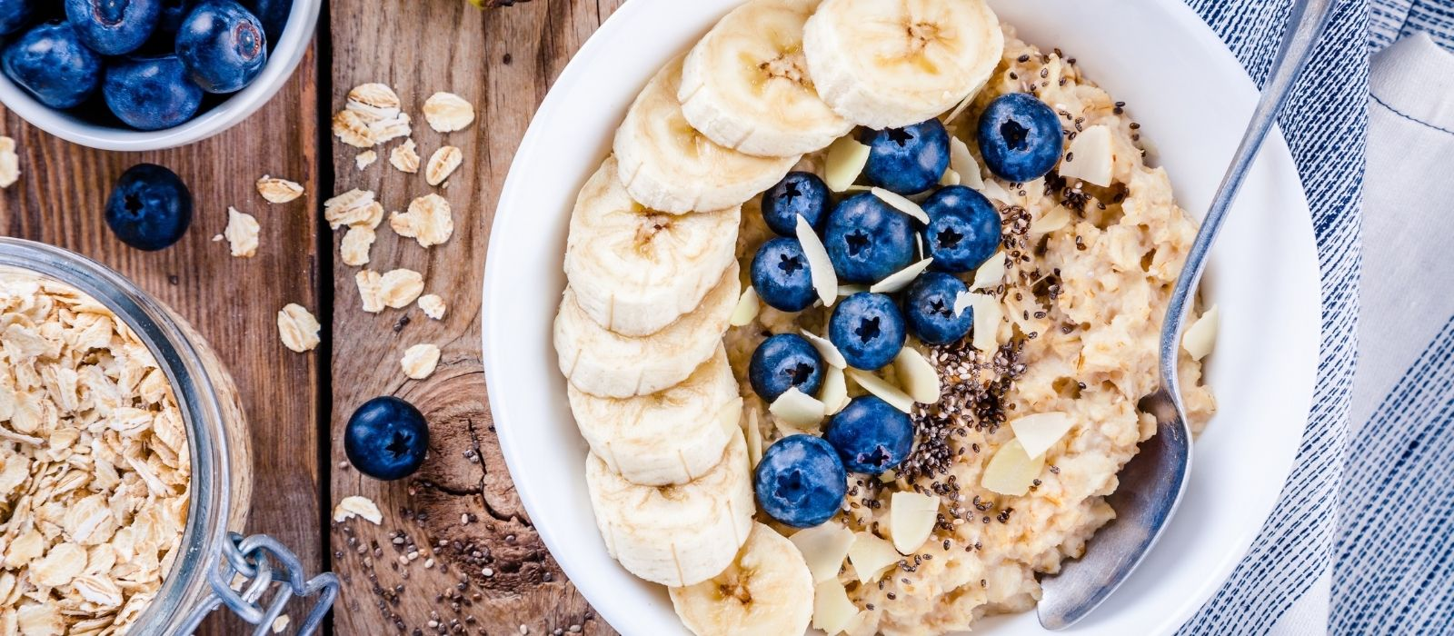 oatmeal-with-blueberries-and-bananas